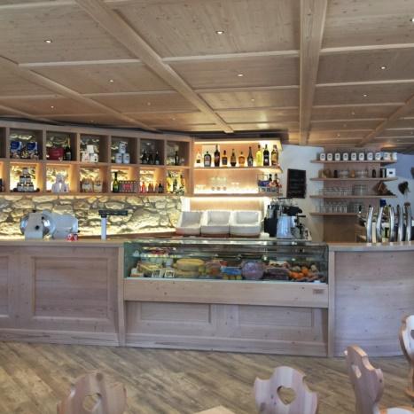 Bar abete spazzolato con contro soffitto